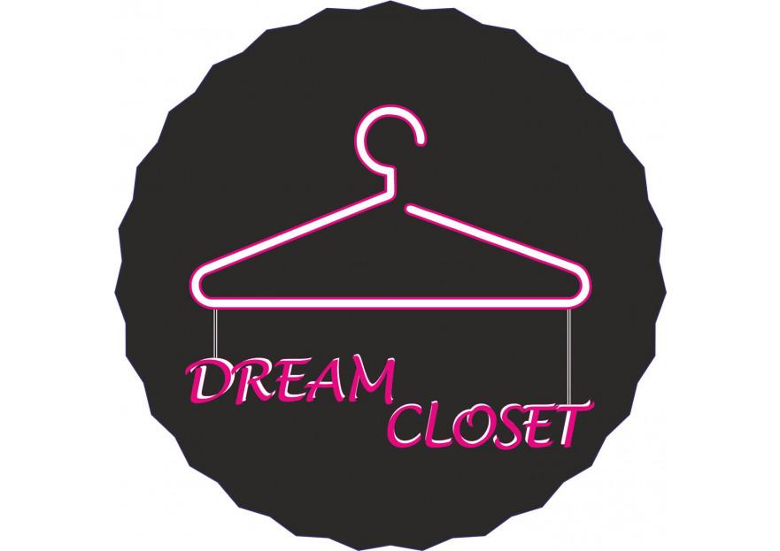 DreamCloset.net Logo yarışmasına tasarımcı Gamze Nurr tarafından sunulan  tasarım
